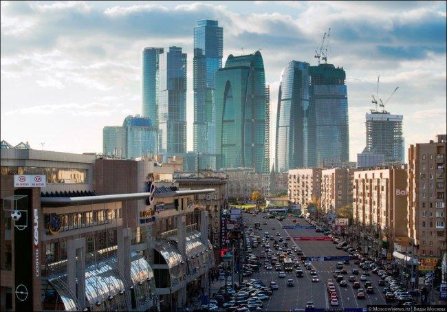 La mejor vista de la ciudad de Moscú con la calle Dorogomilov
